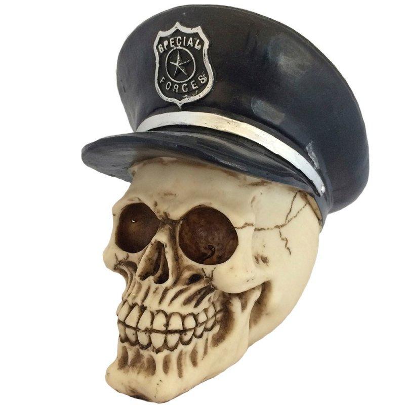 Caveira Decorativa Chapéu Policial - MadeiraMadeira 3664a27963